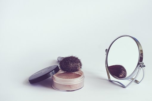 Content cosmetics 1543271  340
