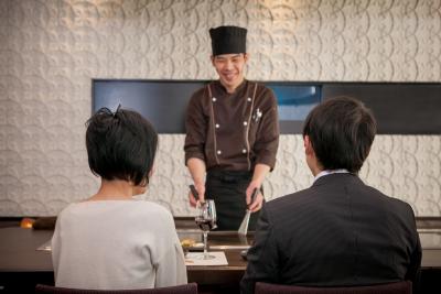 未経験の方も歓迎!神戸にある鉄板焼きステーキのお店で働きませんか?