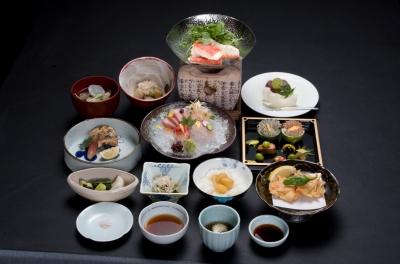 本格会席料理店「安芸茶寮 」にて、調理スタッフを募集します。