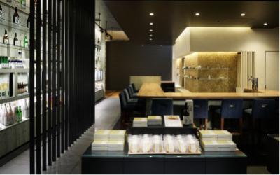 魚沼の酒蔵「八海山」が立ち上げたブランド「八海山 千年こうじや」。新しいスタイルの日本酒バーです