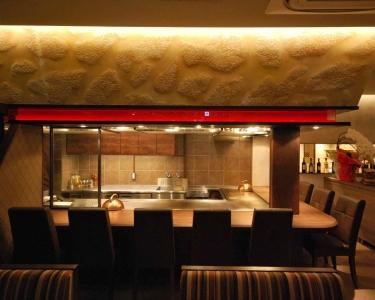 目黒駅前セントラルスクエア1階に2018年1月オープンする鉄板焼き店でホールスタッフを募集!