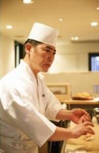 丁寧な仕事がほどこされた握りの数々を提供する「鮓 廣瀬」にて、寿司職人(見習い)を募集。