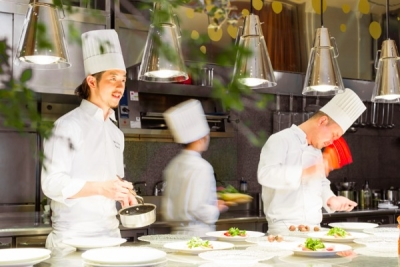 2017年10月グローバルゲート内にオープンしました!レストラン&ウェディング7店舗で料理長候補募集