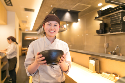 首都圏を中心に展開する日本そばチェーン店で、平日限定社員として働きませんか?