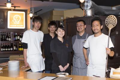 東京・麻布十番のピッツェリアでキッチンスタッフ、またはピッツァイオーロとしてご活躍を