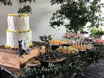 カフェのスイーツからウェディングケーキまで、すべてお任せ致します!