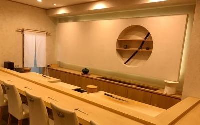 名古屋・丸の内にある江戸前寿司店で、イチから職人をめざそう。握り経験者は、早期にカウンターに立つことも可能◎【長期連休・社員寮・独立支援あり】