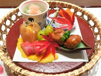 旬の食材を華やかに仕立てた車八寸。日本料理の基礎を「三田ばさら」で身につけませんか?