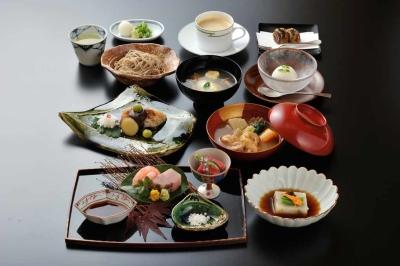 古都金沢の百万石文化をお客様にお届け。一人ひとりの心に寄り添うおもてなしを提供しています。