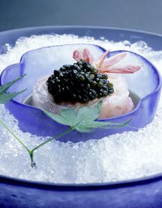 お料理は和洋のフュージョン料理。デザートも枠にとらわれない斬新な発想で。