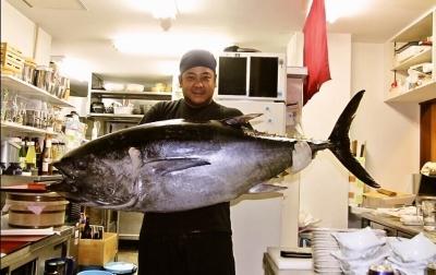 沖縄の獲れたて鮮魚を使用したメニューもたくさん!島ならではの魚の知識も身につきます