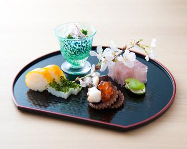 祇園で、旬の味を提供する会席料理店と熊本直送の新鮮素材を使った馬肉料理専門店で調理スタッフを募集!