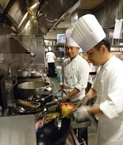JR西日本100%出資会社◆大手企業で「安定感」バツグン!駅ナカを中心に飲食店を展開。多種多用な業態の中から、希望の店舗に配属◎未経験OK