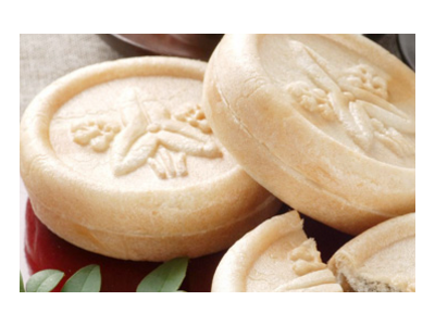 <未経験者、大歓迎!>全国のコンビニやスーパーに、最中や大福などを提供している業界大手の老舗菓子メーカー。月8日以上休みでプライベート充実。U・Iターン歓迎!