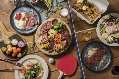 イタリアンをベースに、居酒屋の要素を取り入れたカジュアルでバラエティに富んだメニューが魅力。