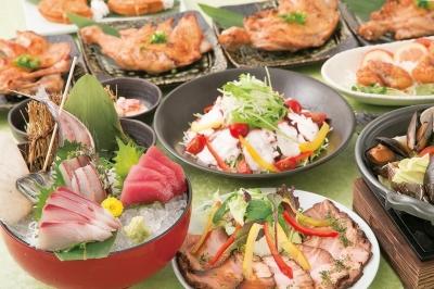 新鮮な魚料理はもちろん、サラダやおつまみ、お肉や揚げ物も多数そろえています