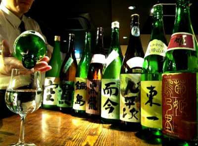 日本酒は常時20銘柄を日替わりでご提供しております。日本酒の知識も増えますよ!