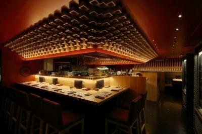 京都市内に展開する、和食居酒屋や焼酎ダイニング