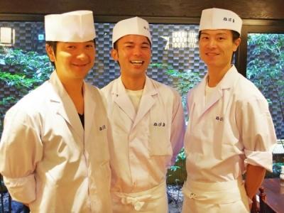 経験豊富な先輩スタッフのもと、本格的な日本料理のスキルが身につきます
