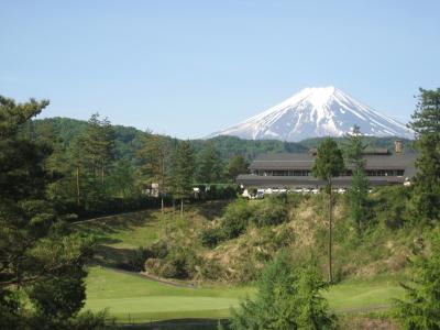 【月7~8日休み&18:00までの勤務】富士山の美しい眺望が自慢のゴルフ場内レストランで調理スタッフを募集◎経験をいかしてご活躍ください!クルマ通勤OK