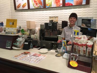 神戸市内で展開するカフェ・バー・焼肉ダイニングの3ブランドで店長候補を募集。