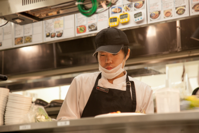 関東17店舗。ロブスター料理を提供するシーフードレストランでキッチンスタッフを募集!