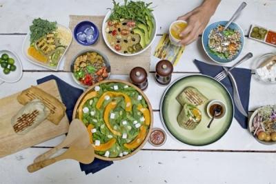 シンガポールで15店舗、フィリピンで9店舗を展開する「salad stop!」。