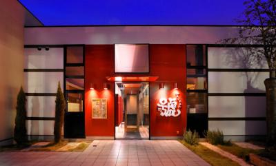 自社ブランドおよびFC店など、幅広いジャンルの飲食店を展開!