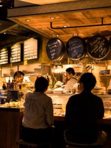JR恵比寿駅から徒歩1分!スパニッシュモダンなスペイン食堂で、調理経験を活かしませんか?