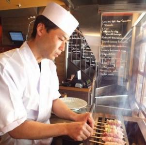 鶏料理専門店「鳥開総本家」または「鳥椀」にて、キッチンスタッフ(料理長候補)を募集!