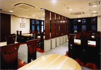 兵庫・尼崎の老舗焼肉レストランで、ホールスタッフを募集します!