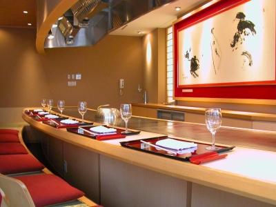 富山の懐石料理・しゃぶしゃぶ・鉄板焼のお店で、一人前の料理人をめざそう!