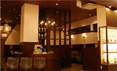 全国にオリジナルブランドを26店舗展開する企業で、洋食店舗のホールスタッフ募集!