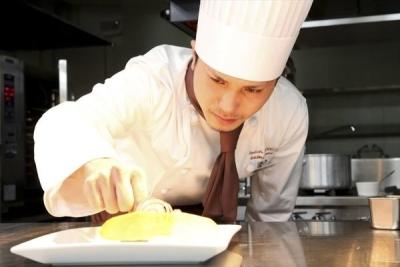 経験・スキルにあわせて仕込み・盛り付け・調理全般にたずさわれます