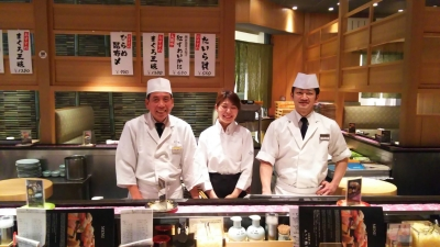 鮨の名店で活躍していた料理長のもと、31歳の花板と共にあなたのスキルを伸ばして活躍できます!