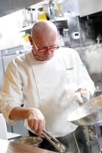 シェフはミラノ出身のマウロ。日本人向けに創作された料理ではなく、本場の味そのものを提供しています◎
