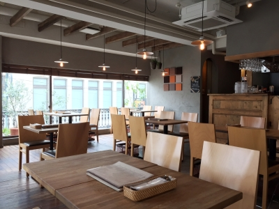福祉施設内にカフェを併設!地域の方々の憩いの場にしたいと思います。