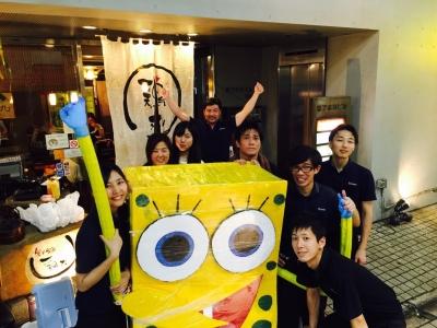 地元のイベント・七夕祭りでは、スタッフ一丸となってお店を盛り上げています。卒業生も楽しんで参加!