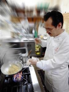 グランシェフである八島淳次氏。数々の名だたるレストランでシェフを務め、今年から弊社のグランシェフに。