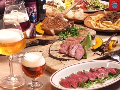 ボリューム満点の料理と20種以上そろうクラフトビールが自慢のビアバーです♪