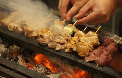 新宿にある焼鳥・炉端焼き居酒屋の3店舗で、調理スキルをさらにアップしませんか?
