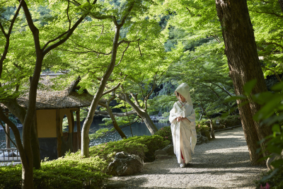 75年の歴史をほこる結婚式場「八芳園」で、調理スタッフを募集。
