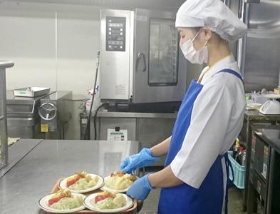 広島県福山市にある「セントラル病院」での給食調理です。