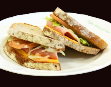 直営の喫茶店で使用する食パンの製造をお願いします
