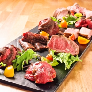 中目黒で、安くて美味しい肉をさまざまな形で提供している『マークマツオカグリル』