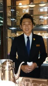 福岡市内に上質なレストランやカフェ、鮨店を運営する企業で、レストランマネージャー候補を募集!