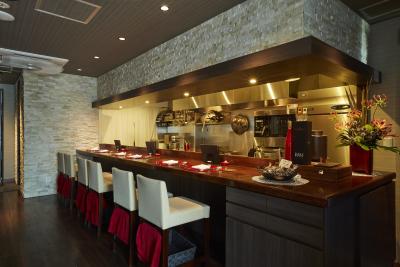 広東料理や四川料理をベースにした創作料理を提供する「China Bistro EVOLVE」。