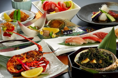 独自のルートで仕入れる鮪や、天然地魚を使った海鮮料理が自慢です