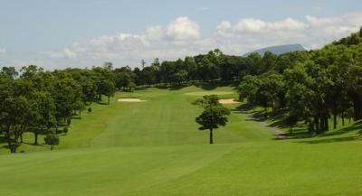 長崎県にある「チサンカントリークラブ森山」にて、ホールスタッフとしてご活躍ください。