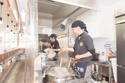 愛知県内の「麺屋 しずる」8店舗いずれかで店舗スタッフ(店長候補)を大募集!